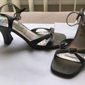 ⬇️$20 Cinderella-style Silver bejeweled heels!